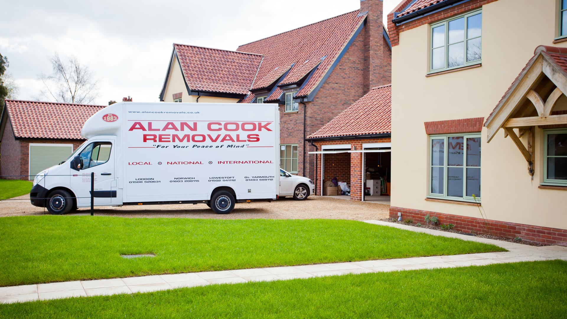 Local, national and international removals - Alan Cook Removals - Of all the Norwich Removals Companies we pride ourselves in offering the most prfessional, 